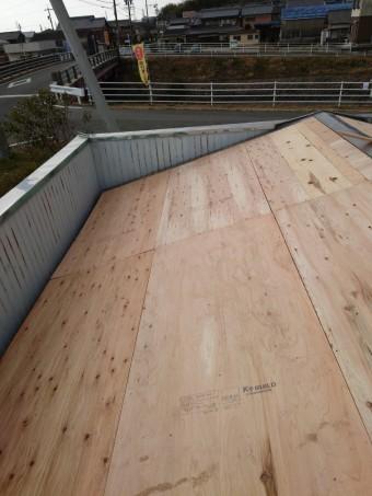 四日市市、屋根修理、カバー工法