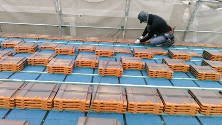 陶器瓦屋根 施工風景
