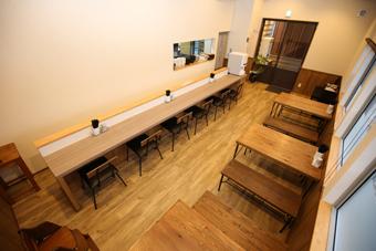 三重県松阪市にある店舗のナチュラルシャビーな内観。