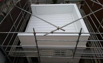 A様店舗の三方パラペット片流れ2 板金の屋根