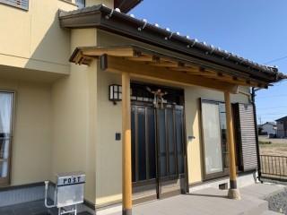 いなべ市、雨樋交換、軒天塗装、玄関木部塗装