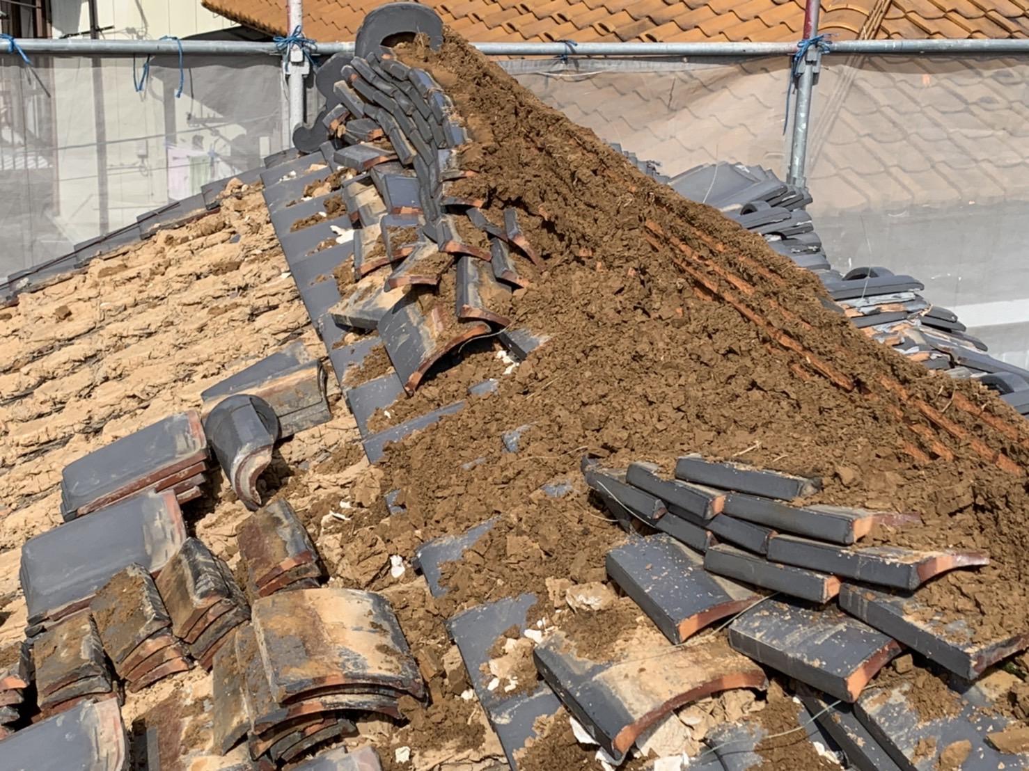 四日市市にて屋根の葺き替え