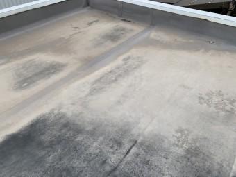 四日市市にて中古物件の増築部分屋根の雨漏れ点検写真