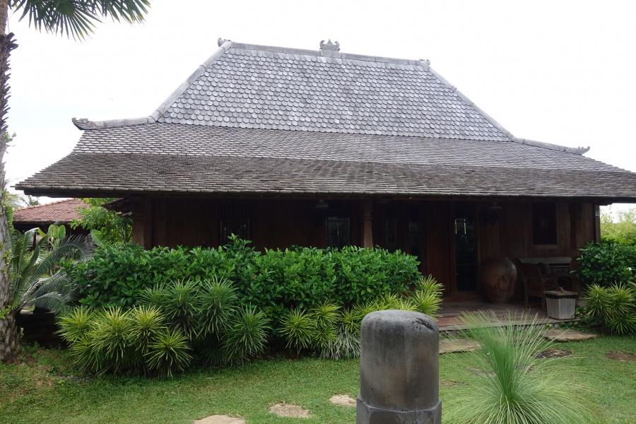 木製屋根 ウリン材 バリ島