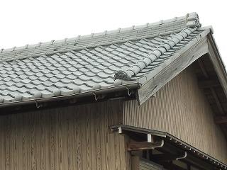 鬼瓦ずれ 街の屋根やさん四日市店