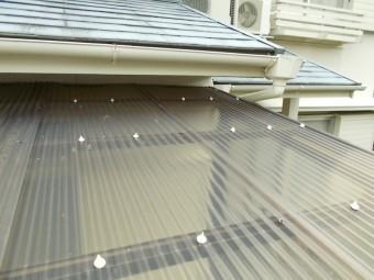 台風被害 テラス破損 街の屋根や四日市