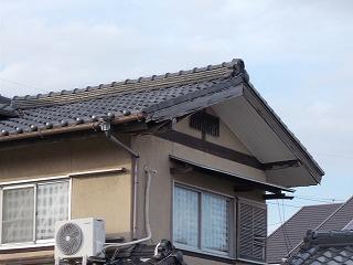 ケバラ破損 軒天破損 街の屋根やさん四日市店