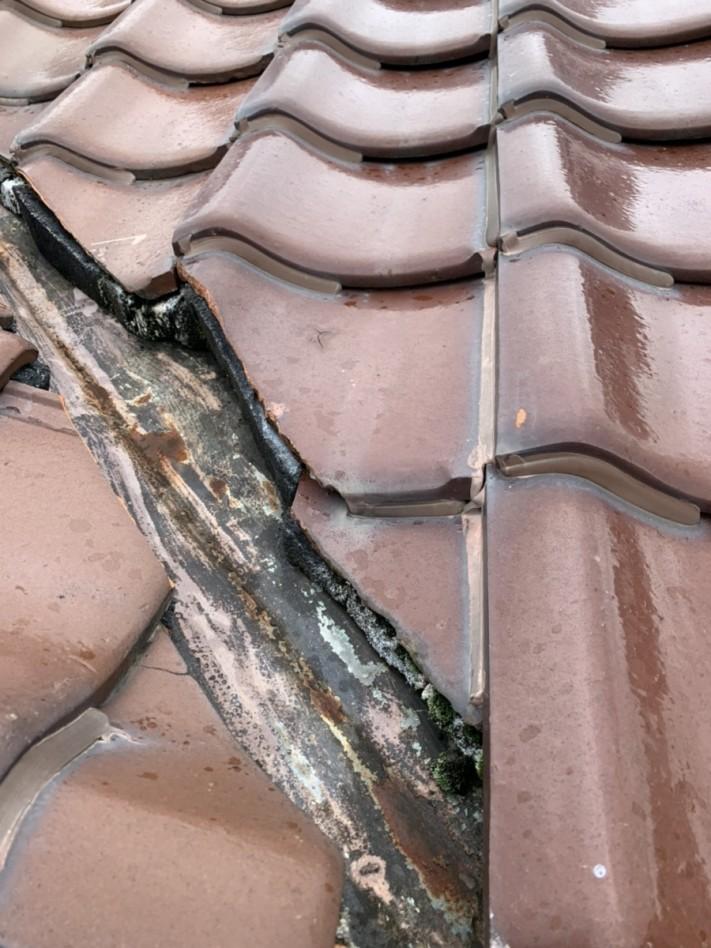 瓦屋根、漆喰剥がれ