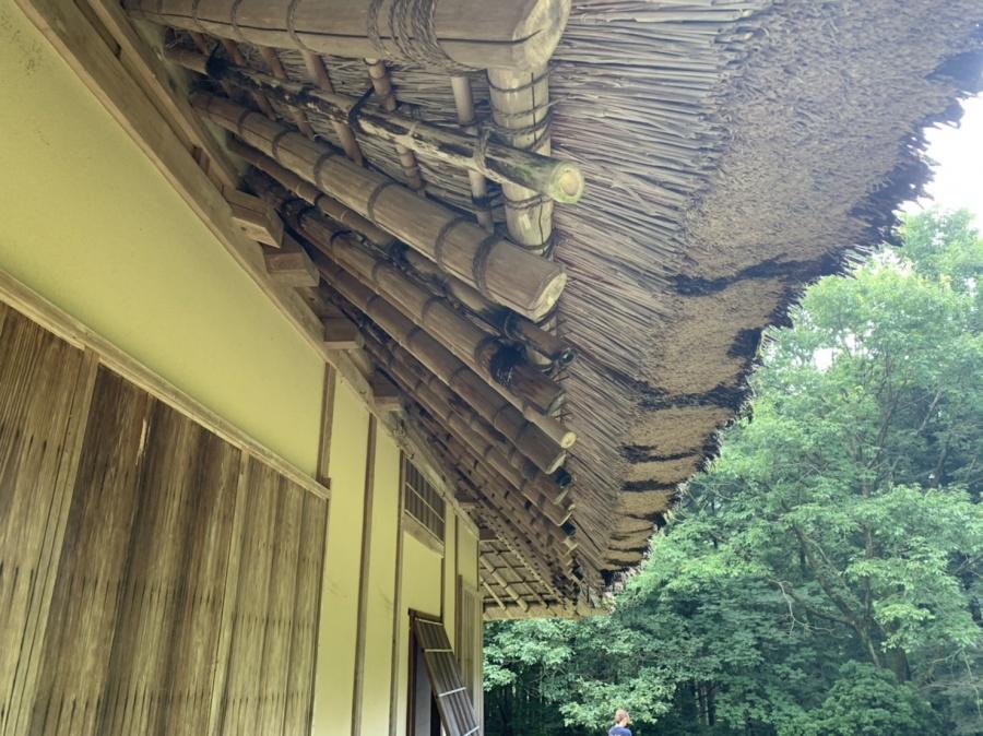 茅葺屋根、下地