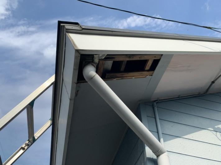 軒天破損、雨漏れ、台風被害