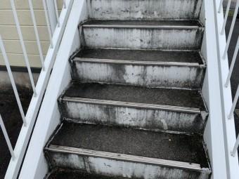 亀山、鉄骨階段、外壁塗装