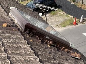 桑名市、トップライト雨漏り、葺き替え
