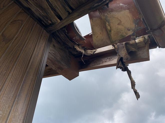 瓦屋根風災破損