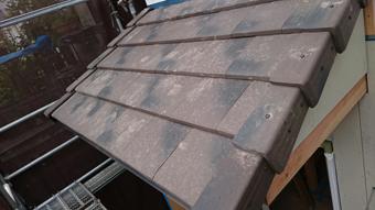 A様邸・A様店舗のポーチ2 陶器平板瓦、防災瓦、ライトチョコ色