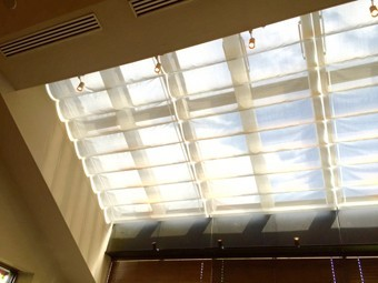 明るく開放的な天窓