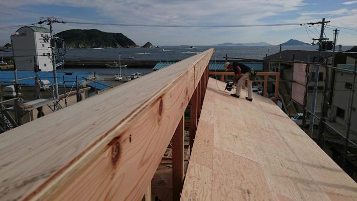 三重県鳥羽市のK様店舗の差し掛け屋根
