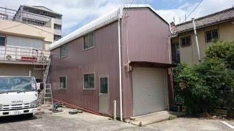 羽所町で行った倉庫の屋根・外壁工事が終了。
