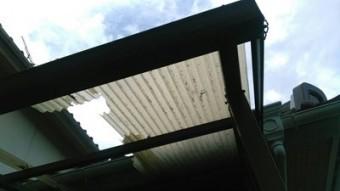 街の屋根やさん四日市店 テラス 台風被害