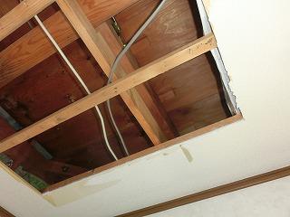雨漏り 天井裏 街の屋根やさん四日市店 川越町