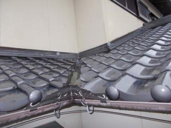 雨漏り 街の屋根や四日市